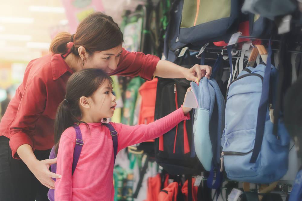 طريقة اختيار الحقيبة المدرسية المثالية لطفلك
