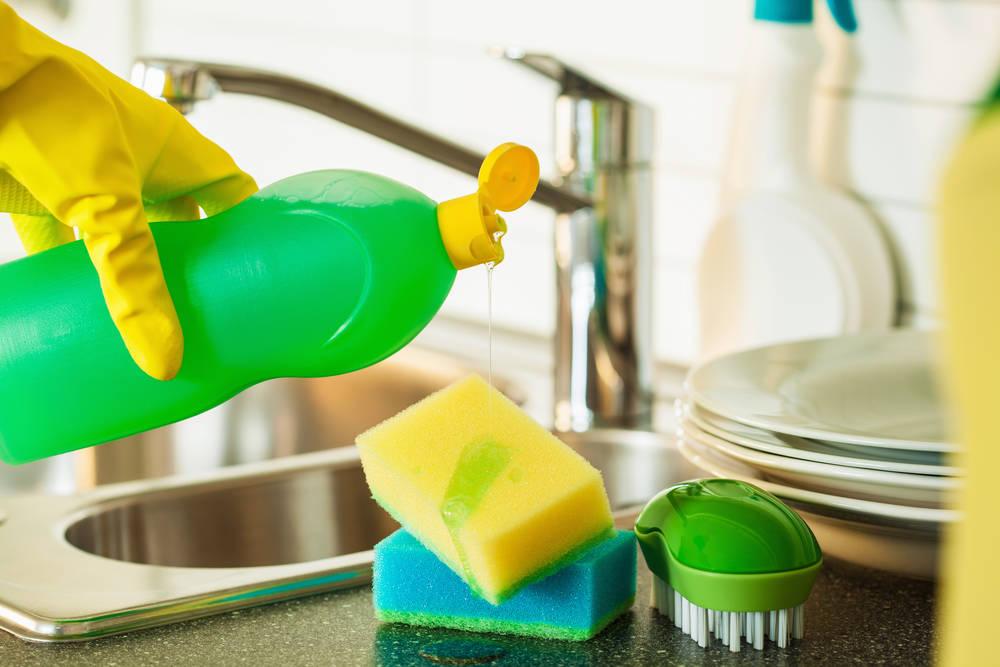 طريقة عمل صابون المواعين في المنزل بدون مواد مضره لبشرتك