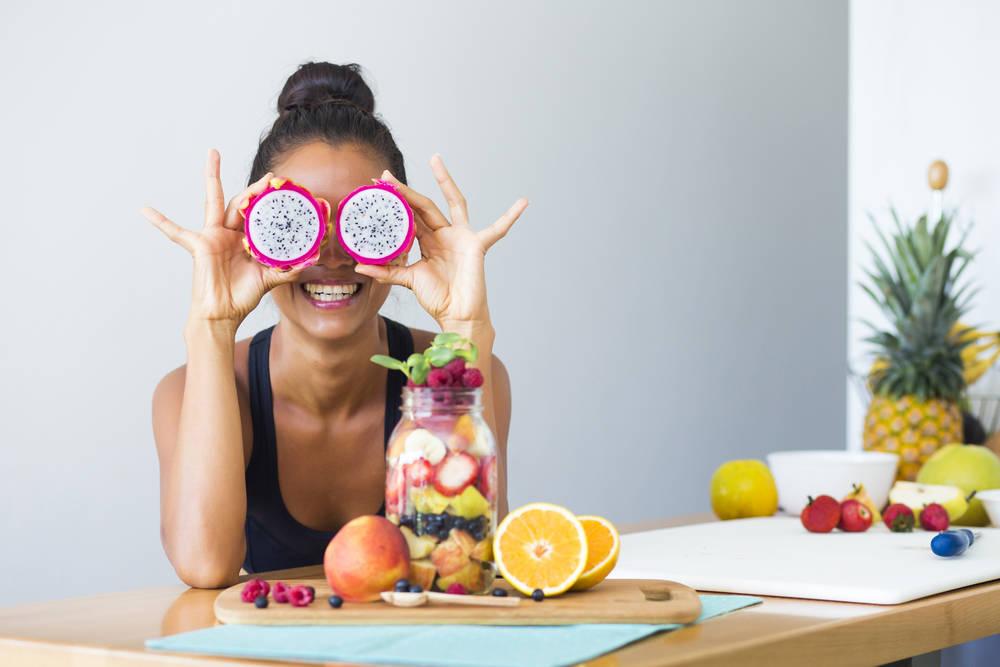 أطعمة تسبب السعادة أبرزها الطماطم والثوم والعسل