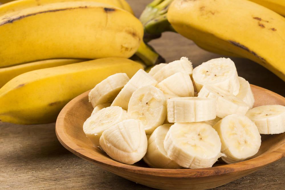 لأنه مصدر للصحة والطاقة .. إليكِ 12 فائدة لتناول الموز