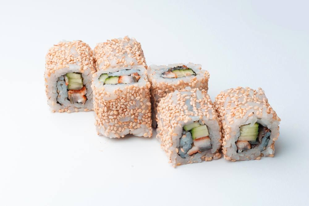 طريقة عمل ساندويتش سوشي التونة والأفوكادو