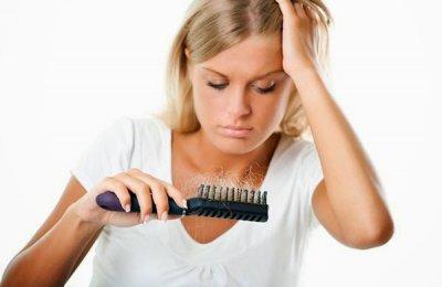 طرق لعلاج تساقط الشعر
