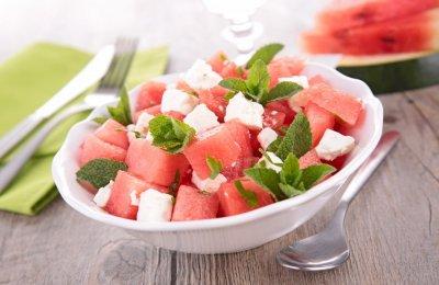 طريقه عمل البطيخ بالجبن الفيتا للسحور
