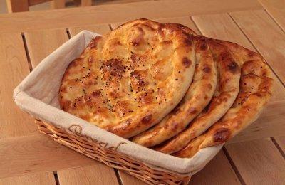 بالصور  طريقه عمل الخبز التركي في المنزل