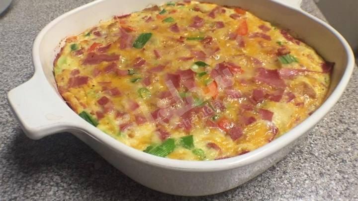 طريقة عمل طاجن البيض بالبصل و الجبنة الشيدر