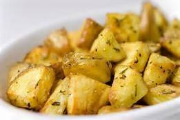 طريقة عمل البطاطس المشوية بالروزماري