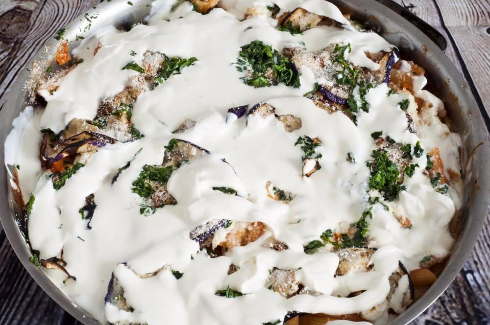 طريقة عمل فتة باذنجان بالزبادي من المطبخ الشامي