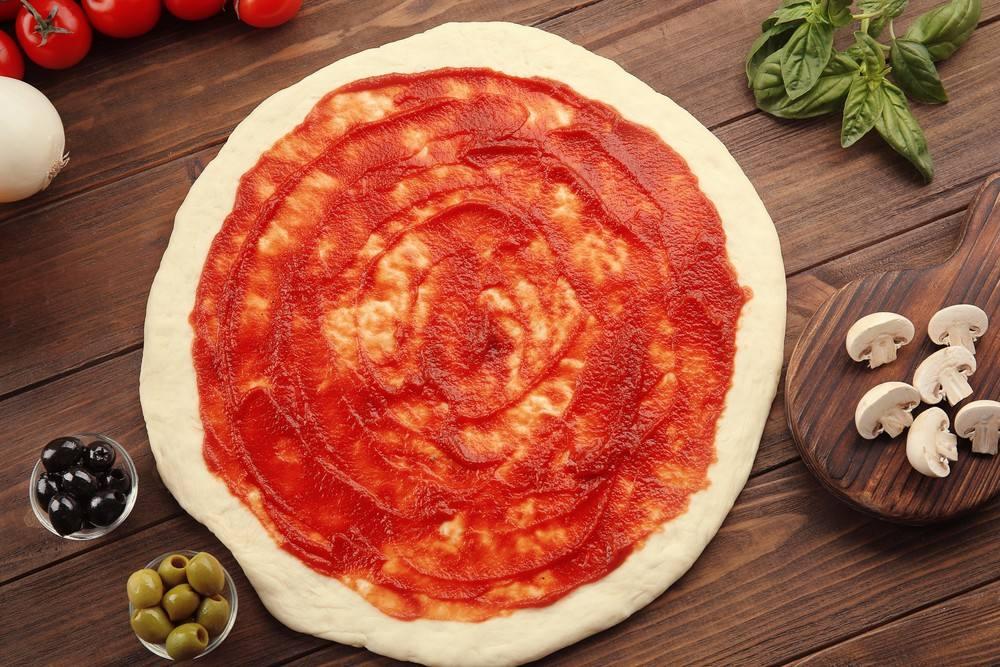 طريقة عمل عجينة بيتزا هت في المنزل