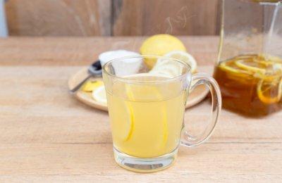 الليمون الساخن بالعسل  فيتامين C الشتاء