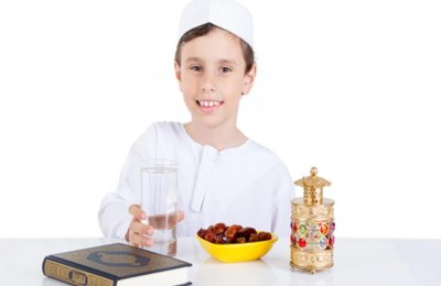 الافطار الصحيح لطفلك الصائم في رمضان