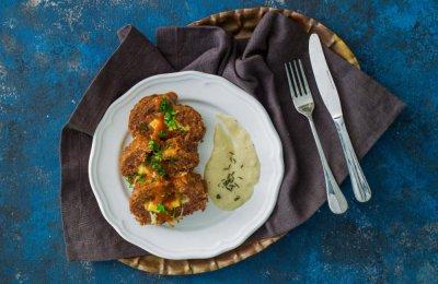 الميت لوف أو (رغيف اللحم ) من أشهي الأطباق التي تحتوي على عناصر غذائية عالية والذي يعد بالعديد من الحشوات ، تعرفي على طريقة تحضيره بطريقة سهلة وسريعة بحشو جبن مميزة وصوص سيجعل له طعم رائع ومميز 