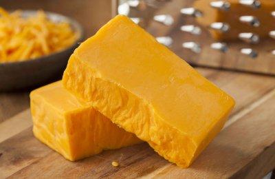 حضري الجبنه الشيدر في المنزل بدون مواد حافظه