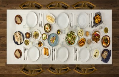 7 اطعمه اساسيه علي سفرتك في رمضان