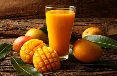 طريقه عمل سموثي المانجو و البرتقال بالزبادي