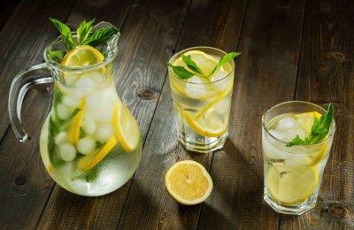 طريقه عمل عصير ليمون بالنعناع المثلج