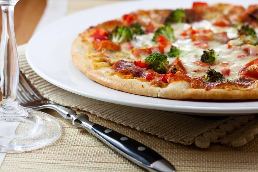 طريقة عمل بيتزا البروكلي